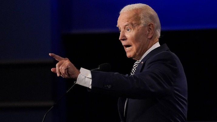 Democratic presidential candidate former Vice President Joe Biden gestures while speaking during the first presidential debate Tuesday, Sept. 29, 2020, at Case Western University and Cleveland Clinic, in Cleveland, Ohio. (AP Photo/Julio Cortez)
