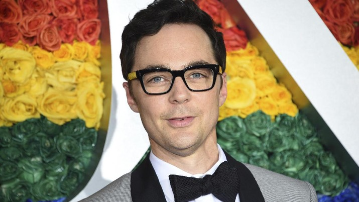 Jim Parsons arrives at the 73rd annual Tony Awards at Radio City Music Hall on Sunday, June 9, 2019, in New York. (Photo by Evan Agostini/Invision/AP)