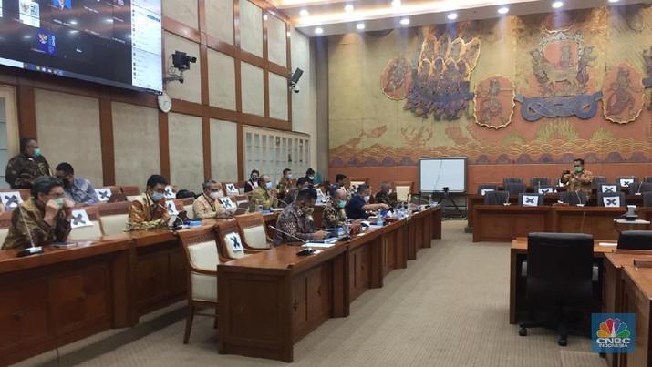 Rapat Dengar Pendapat dengan Rapat Kerja dengan Wakil BUMN II, Pembahasan Mengenai Ppsi Penyelesaian Permasalahan Asuransi Jiwasraya (CNBC Indonesia/ Monica Wareza)