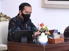 Mudik ke Solo, Jokowi Nyekar ke Makam Orangtua