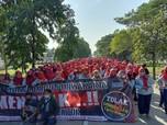Omnibus Law: Pekerja Asing Dipermudah Masuk RI!