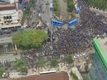 Penampakan Demo Rusuh di Seputaran Istana Negara