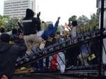 Risma Naik Pitam & Nangis: Surabaya 'Hancur' karena Demo