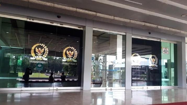 Suasana gedung Nusantara I DPR RI yang di-lockdown usai 18 anggota Dewan terpapar Corona. (Rahel/detikcom)