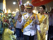 Astaga! Foto-foto Intim Selir Raja Thailand Sineenat Bocor