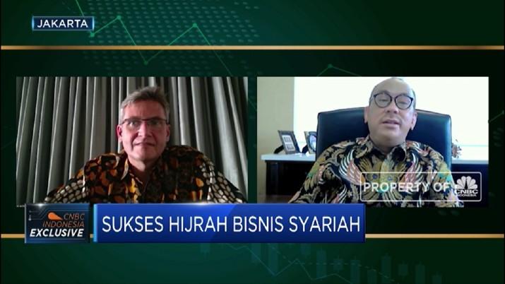 Sukses Hijrah Bisnis Asuransi & Perbankan  Syariah (CNBC Indonesia TV)