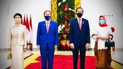 Bertemu PM Jepang, Jokowi Bahas Kerja Sama Penanganan COVID-19