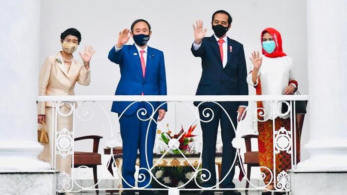 Presiden Joko Widodo terima kunjungan Perdana Menteri (PM) Jepang Yoshihide Suga di Istana Bogor, Selasa (20/10/2020). (Biro Pers Sekretariat Presiden/Laily Rachev)