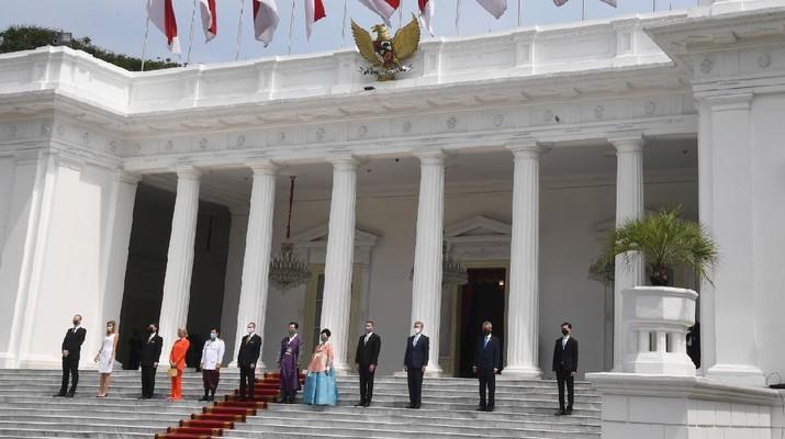 Upacara Penyerahan Surat-Surat Kepercayaan Duta Besar Luar Biasa dan Berkuasa Penuh (LBBP) Designate Resident untuk Republik Indonesia. (Biro Pers Sekretariat Presiden/Rusman)