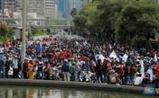 Ramai! Begini Penampakan Ribuan Buruh Tolak Omnibus Law