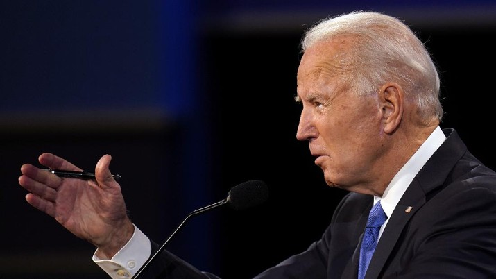 Democratic presidential candidate former Vice President Joe Biden speaks during the second and final presidential debate Thursday, Oct. 22, 2020, at Belmont University in Nashville, Tenn. (AP Photo/Julio Cortez)