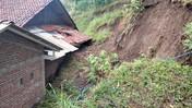 Penampakan Longsor di Kabupaten Kebumen Gegara Hujan Deras
