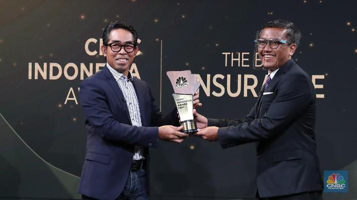 Direktur Utama BRI Insurance Fankar Umran dalam acara CNBC Indonesia Award. (CNBC Indonesia/Tri Susilo)