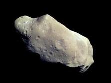 Asteroid Raksasa Dekati Bumi Pekan Ini, Berbahayakah?