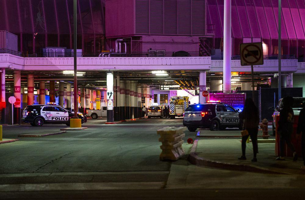 Las Vegas police respond to a shooting at Circus Circus casino, Saturday, Nov. 7, 2020, in Las Vegas. (Chase Stevens/Las Vegas Review-Journal via AP)