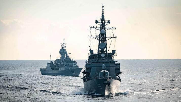 USS John S. McCain, JS Ōnami, HMAS Ballarat melakukan operasi terpadu, kelompok berlayar mengikuti latihan Malabar (Tangkapan Layar Twitter @USPacificFleet)