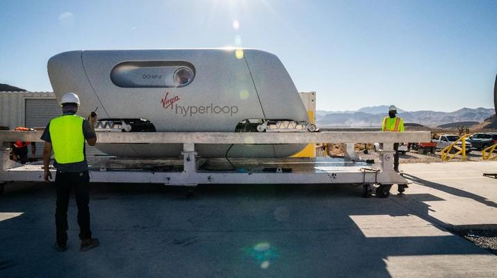 Virgin Hyperloop melakukan ujian pertama membawa penumpang manusia.(Sarah Lawson (Virgin Hyperloop))