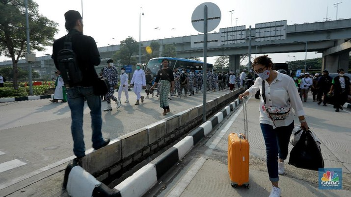 Ilustrasi Penumpang Bandara Soekarno Hatta (CNBC Indonesia/ Tri Susilo)