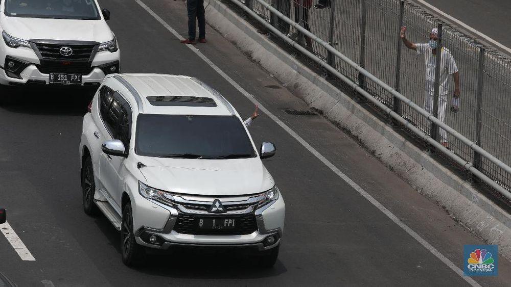 Mobil Pajero B 1 FPI, Mobil yang ditumpang Rizieq Shihab saat tiba di Indonesia (CNBC Indonesia/ Muhammad Sabki)