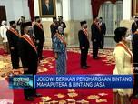 Jokowi Berikan Penghargaan Bintang Mahaputera & Bintang Jasa