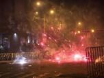 Rusuh! Kembang Api & Asap Warnai Demo Tuntut Presiden Peru