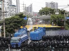 Politik Thailand Panas, Para Demonstran Mulai Serang Kerajaan