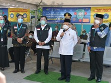 Setelah Jokowi, Ma'ruf Tinjau Vaksinasi Covid-19 di Cikarang