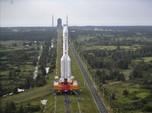 Tiru AS-Rusia, China Luncurkan Roket Ambil Sampel Batu Bulan