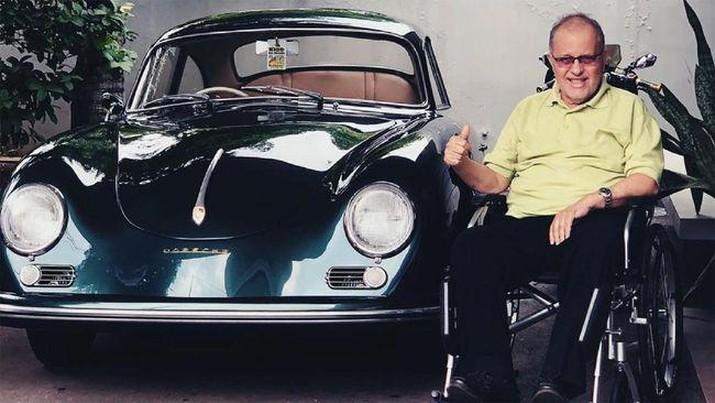 Helmy Sungkar, tokoh otomotif meninggal dunia pada Selasa (24/11) pukul 06.10 WIB. (Foto: Screenshot via instagram @Rifato)
