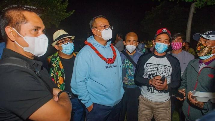 Kunjungan Kerja Menteri KKP Edhy Prabowo di Amerika Serikat bertemu ABK asal Indonesia (Tangkapan Layar Instagram @edhy.prabowo/ OT Sukardi)