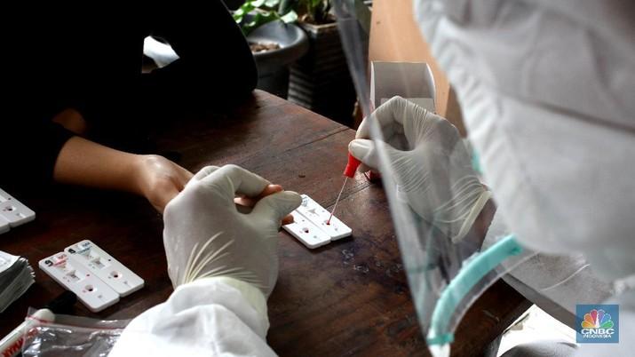 Rapid Test Massal di Petamburan (CNBC Indonesia/ Tri Susilo)