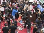 Ricuh Impor Babi AS, Wakil Rakyat Taiwan Lempar Daging Babi!