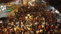Di Tengah Foto Syur Selir Raja, Massa Thailand Demo Besar