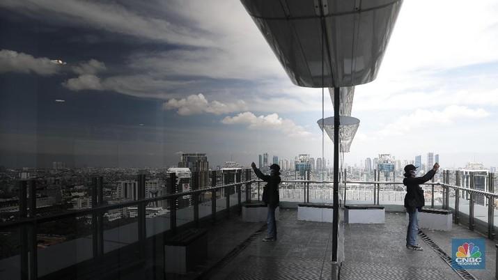 Mengintip Penampakan Langit Jakarta yang Biru Cerah