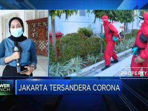 Penyemprotan Disinfektan di Kantor Balai Kota Jakarta