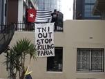 Potret Bendera Bintang Kejora Berkibar di KJRI Australia