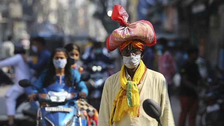 Kasus Covid-19 meningkat di India. (AP/Birendra)
