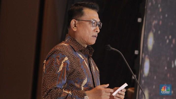 Kepala Staff Kepresidenan Jenderal (Purn) Moeldoko dalam acara malam puncak penghargaan BPH Migas 2020 & penyerahan sertifikat ISO 37001, Senin (8/12/2020). (CNBC Indonesia/Muhammad Sabki)