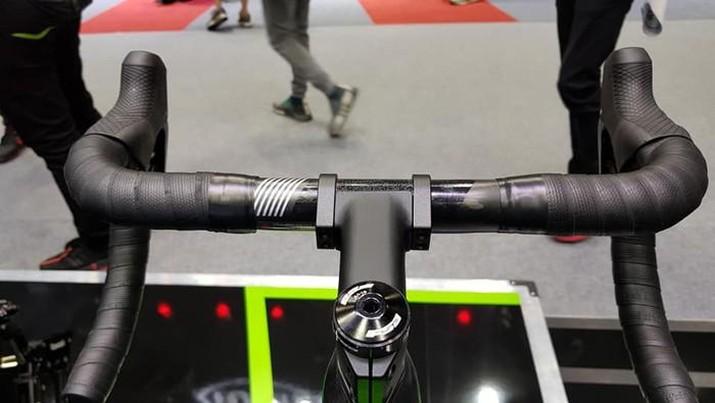 Kawasaki luncurkan sepeda yang harganya lebih mahal dari Ninja ZX-25R. Foto: Kawasaki Motors Thailand