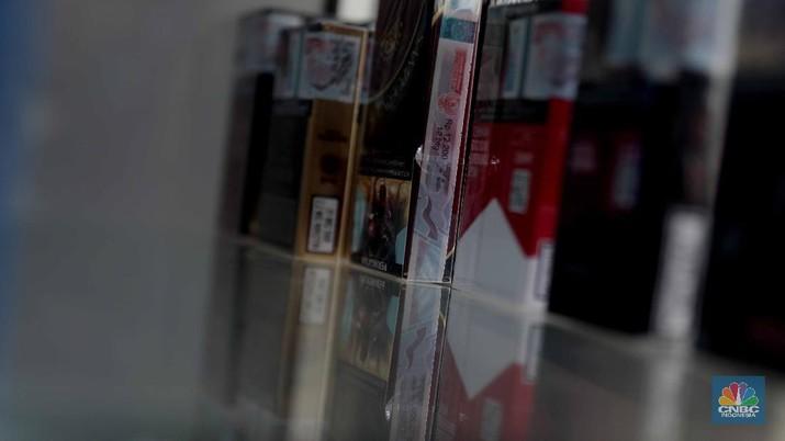 Ilustrasi cukai rokok. (CNBC Indonesia/Muhammad Sabki)