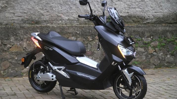 Motor listrik UNITED E-MOTOR T1800 meluncur di Indonesia. (Dok: United E-MOTOR)
