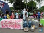 Penampakan Aksi Demo Warga Terdampak Proyek Tol JORR II