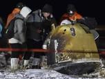Pesawat Antariksa China Meluncur ke Bumi Bawa Batu Bulan