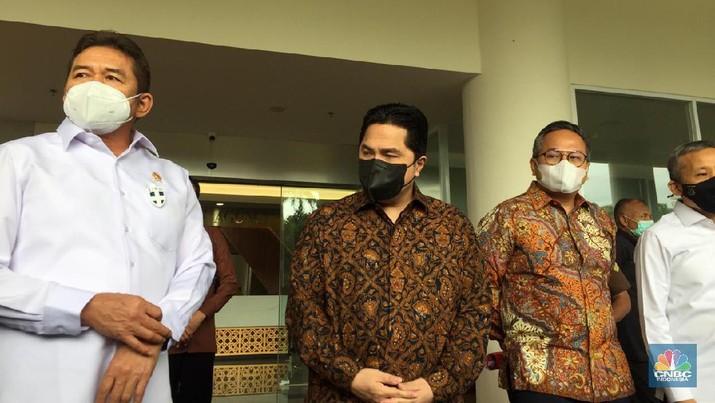 Ki-Ka: Jaksa Agung ST Burhanuddin, Menteri BUMN Erick Thohir, Wakil Menteri BUMN Kartika Wirjaatmadja (CNBC Indonesia/ Monica Wareza)