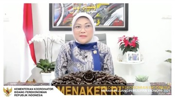 menteri ketenagakerjaan ida fauziyah dalam acara outlook perekonomian indonesia 2021 169