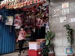 Mau Natalan? Cuss Berburu Pernak-pernik Natal di Pasar Asemka