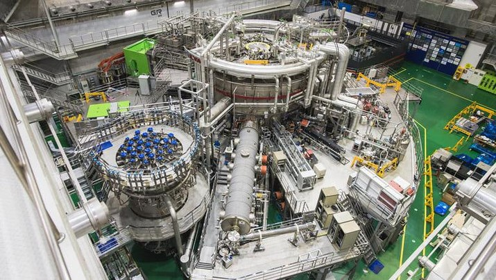 Penelitian Tingkat Lanjut Tokamak Superkonduktor Korea (KSTAR)