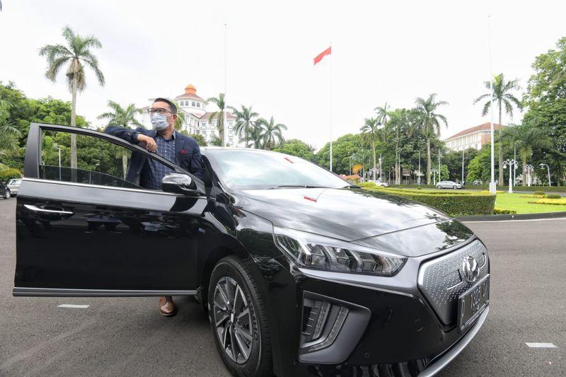 Penampakan Mobil Dinas Listrik Pertama Di Indonesia Foto 1