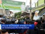 Polisi Bongkar Atribut FPI di Kawasan Petamburan