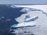 Ngeri! Gunung Es Terbesar di Dunia Pecah